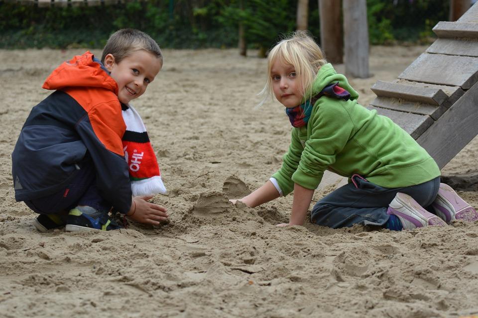 Ce învață copiii noștri când se joacă