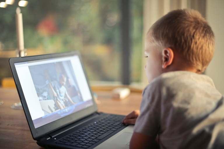 Învățăm modern și eficient într-un mediu online sigur